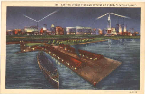 Cleveland 9th Pier Night.jpg (75628 bytes)